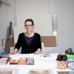 Gwenola Furic, Gwenola Furic dans son atelier, © Thibaut Godet