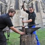 Mans'Art, Démonstrations de forgerons au pied de la cathédrale, © Ville du Mans